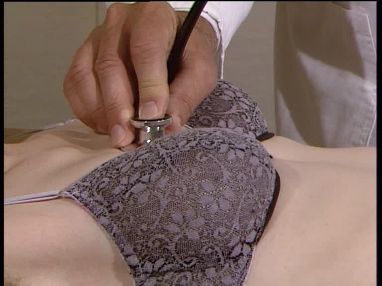 auskultation weibliche brust